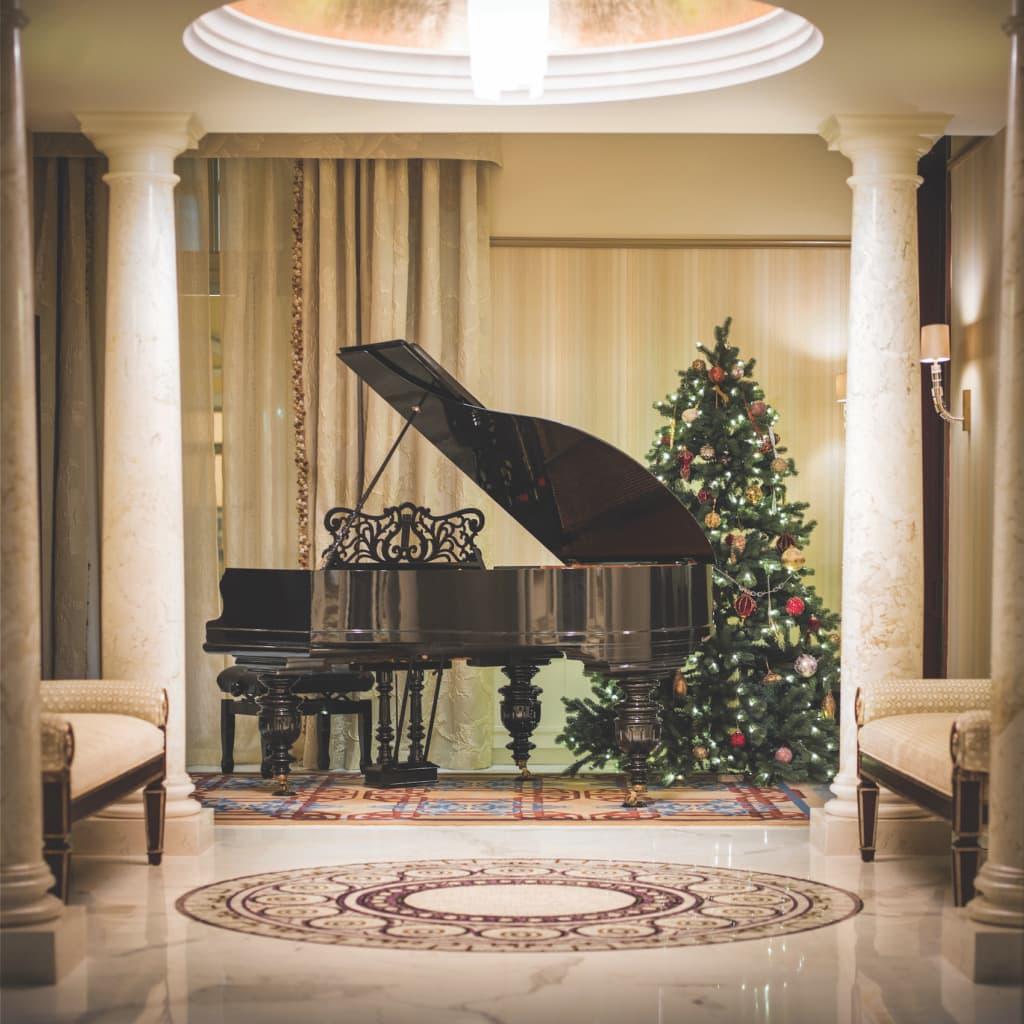 Ein paar Töne klimpern? - Das ließ sich schon so mancher Promi nicht zweimal sagen und spiele ein Konzert im Belmond Grand Hotel Europe.