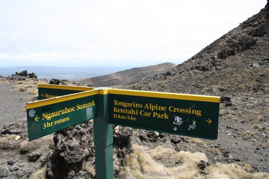 Viele Wege führen nach Mordor. Auf dem Tongariro Alpine Crossing auf jeden Fall.