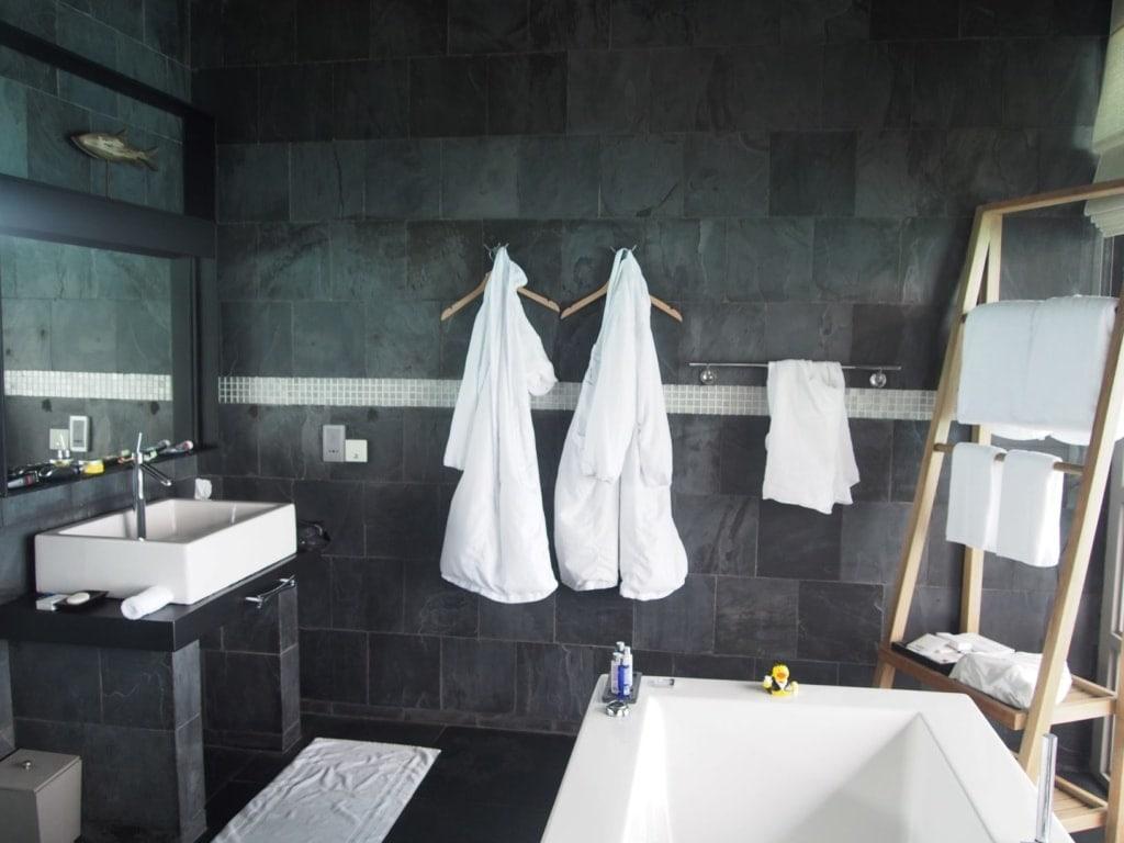 Bad eines Hotelzimmers