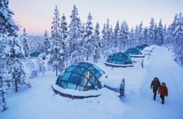 Schlafen im Glas-Iglu - romantische Aktivitäten im Winter