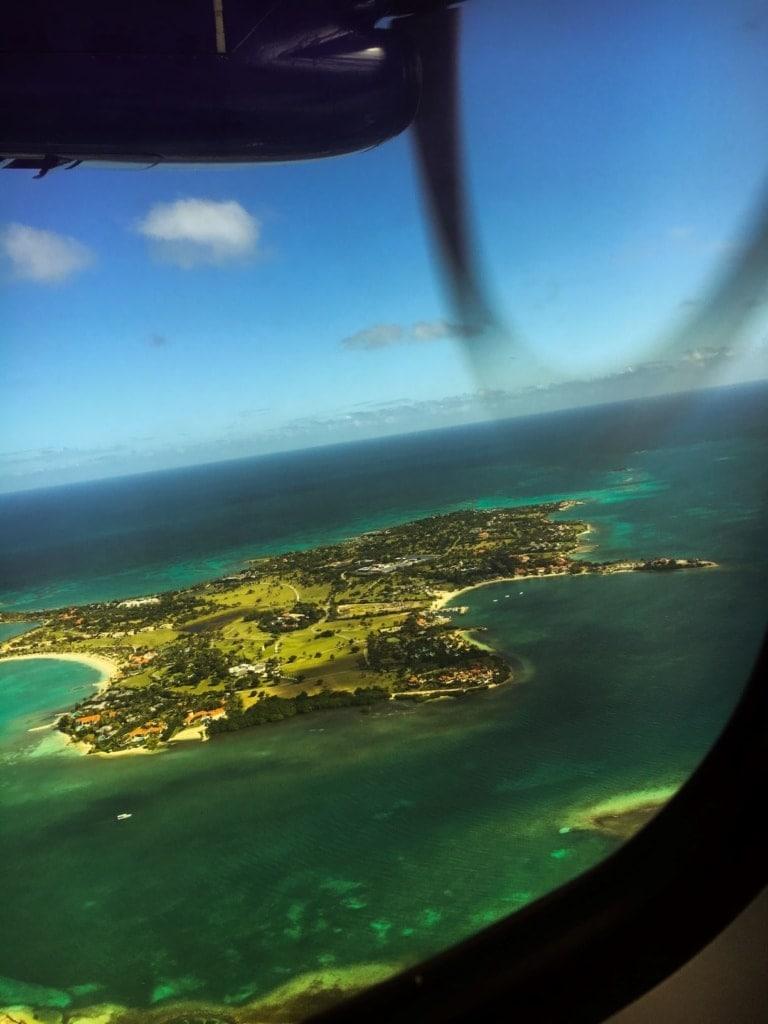 Karibikinsel aus Flugzeug fotografiert