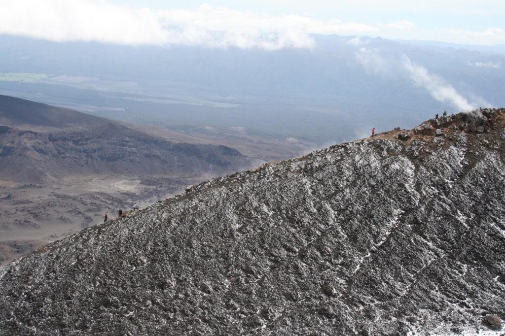 Täglich wandern mehrere Hundert Menschen das Tongariro Alpine Crossing.