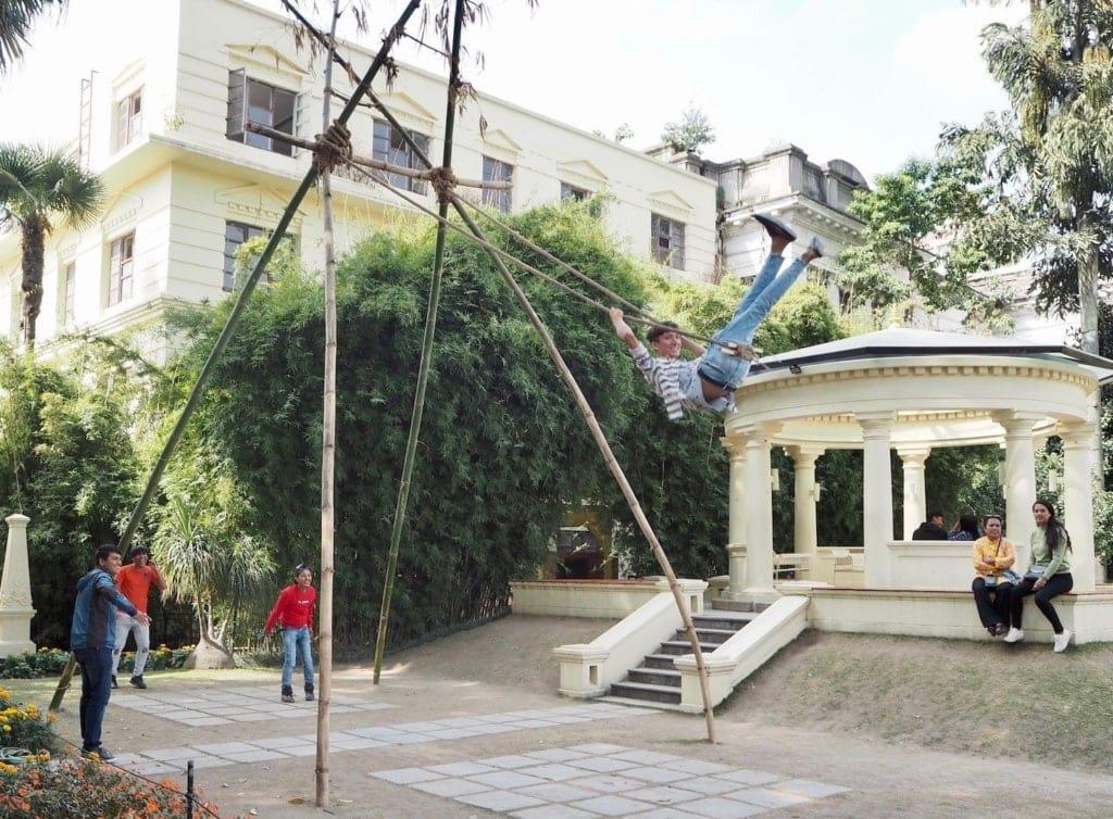 Schaukel aus Bambus in Nepal