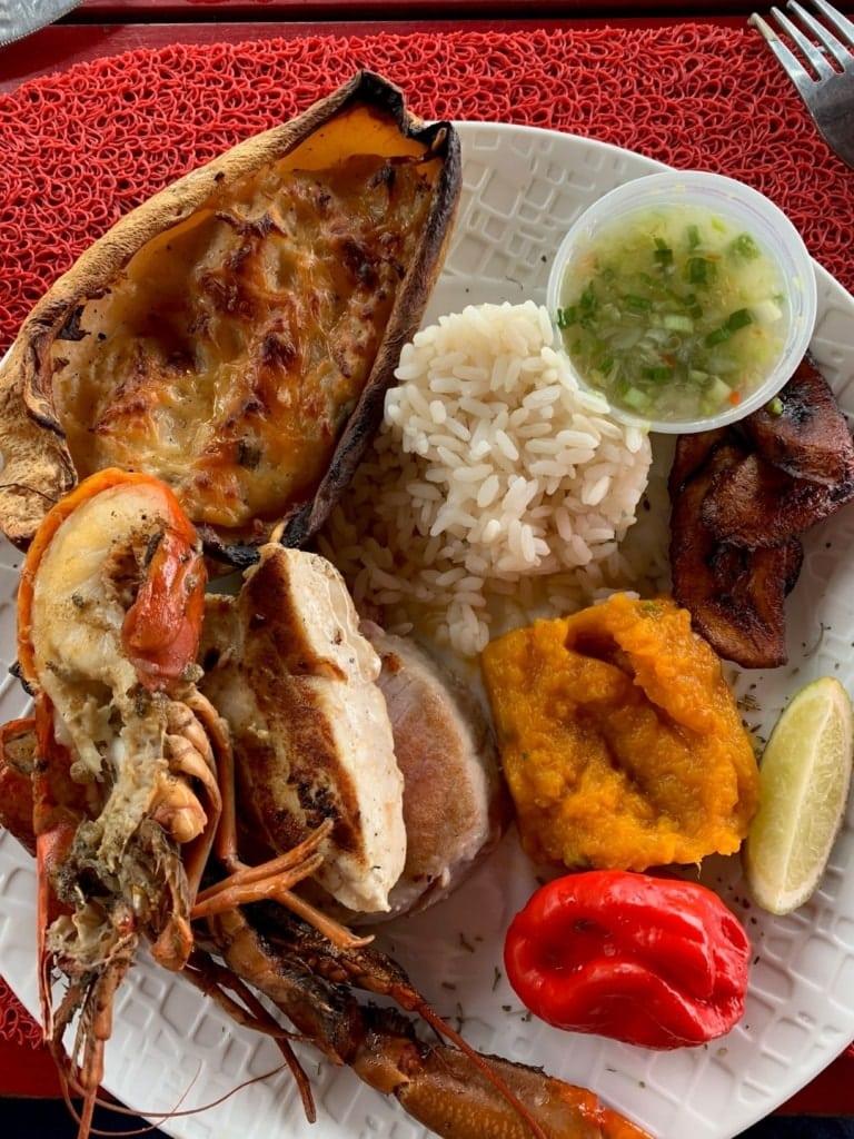 Essen im Restaurant Petibonum auf Martinique