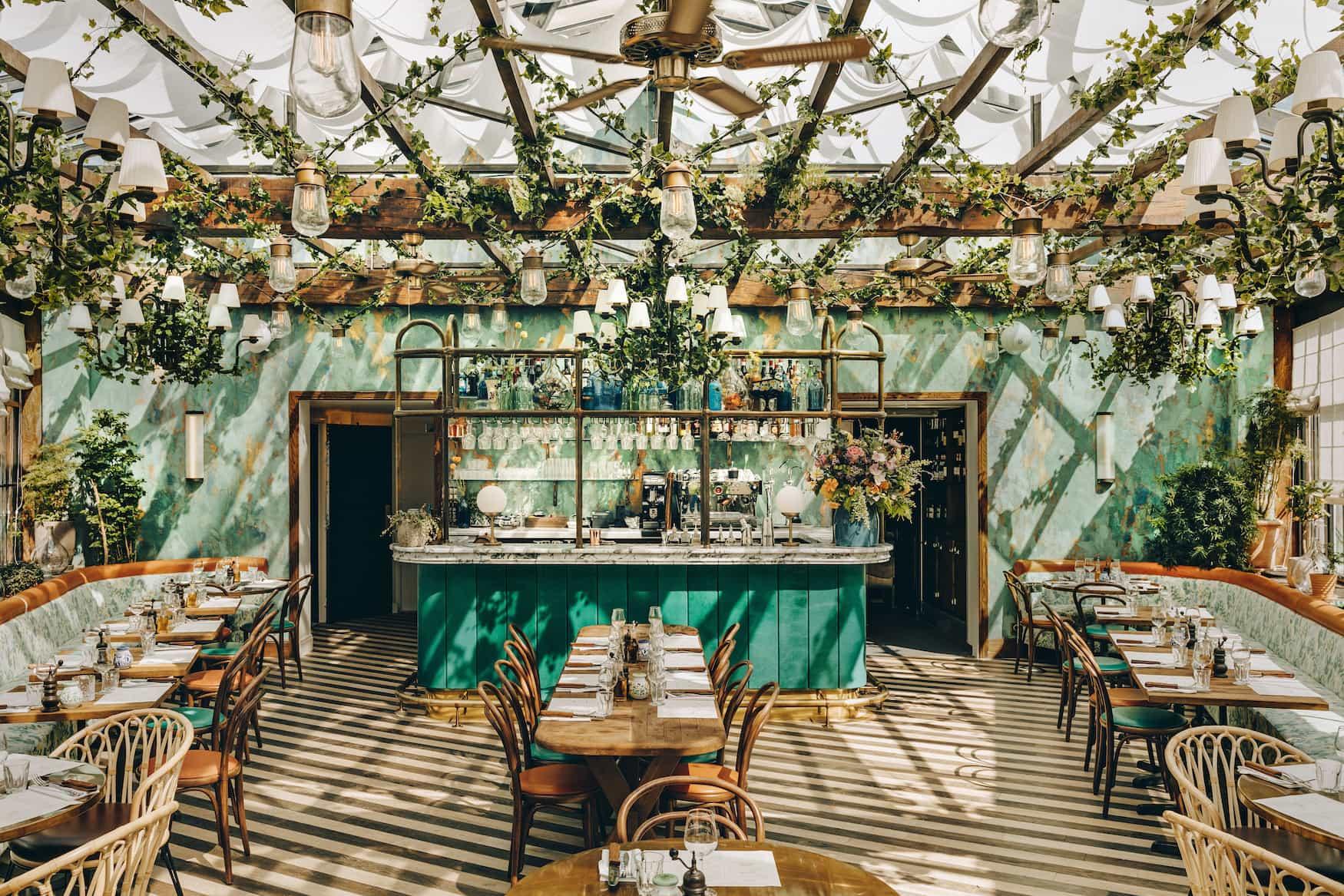 Botanisches Interior im Big Mamma in Paris