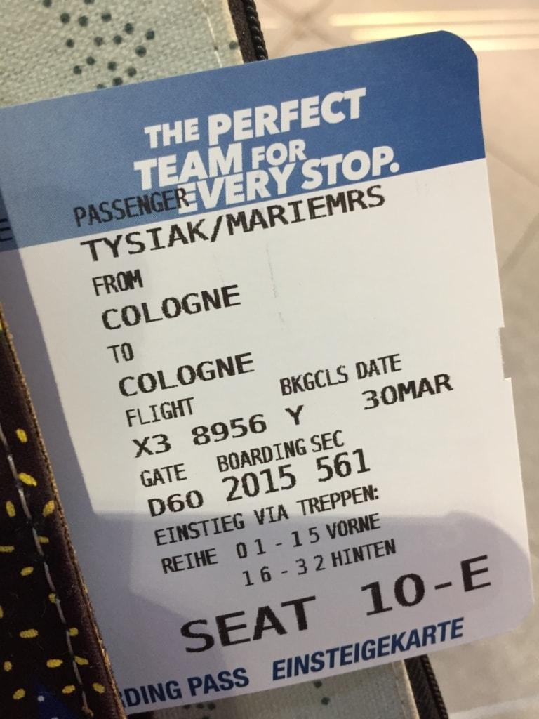 Beim Polarlichterflug geht das Ticket von Köln/Bonn nach Köln/Bonn.