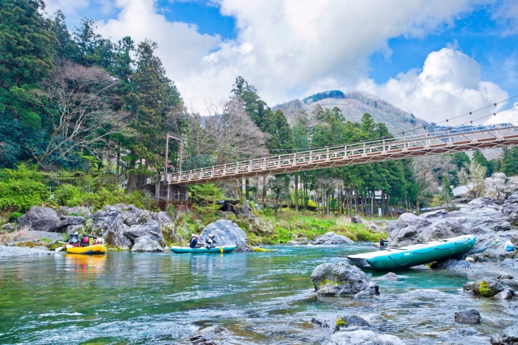 Rafting auf dem Tama-Fluss in Japan