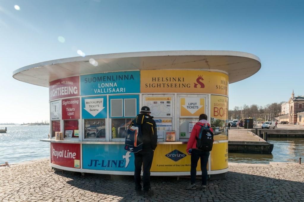 Fähren- und Ticketsverkaufsstand in Helsinki