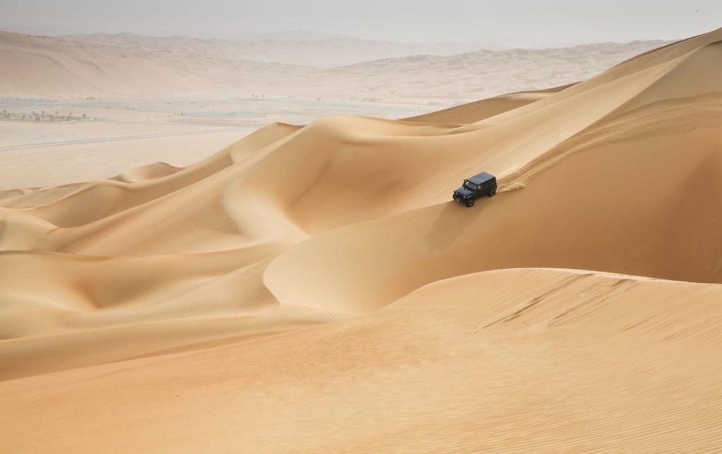 Jeep in der Rub al Khali Wüste