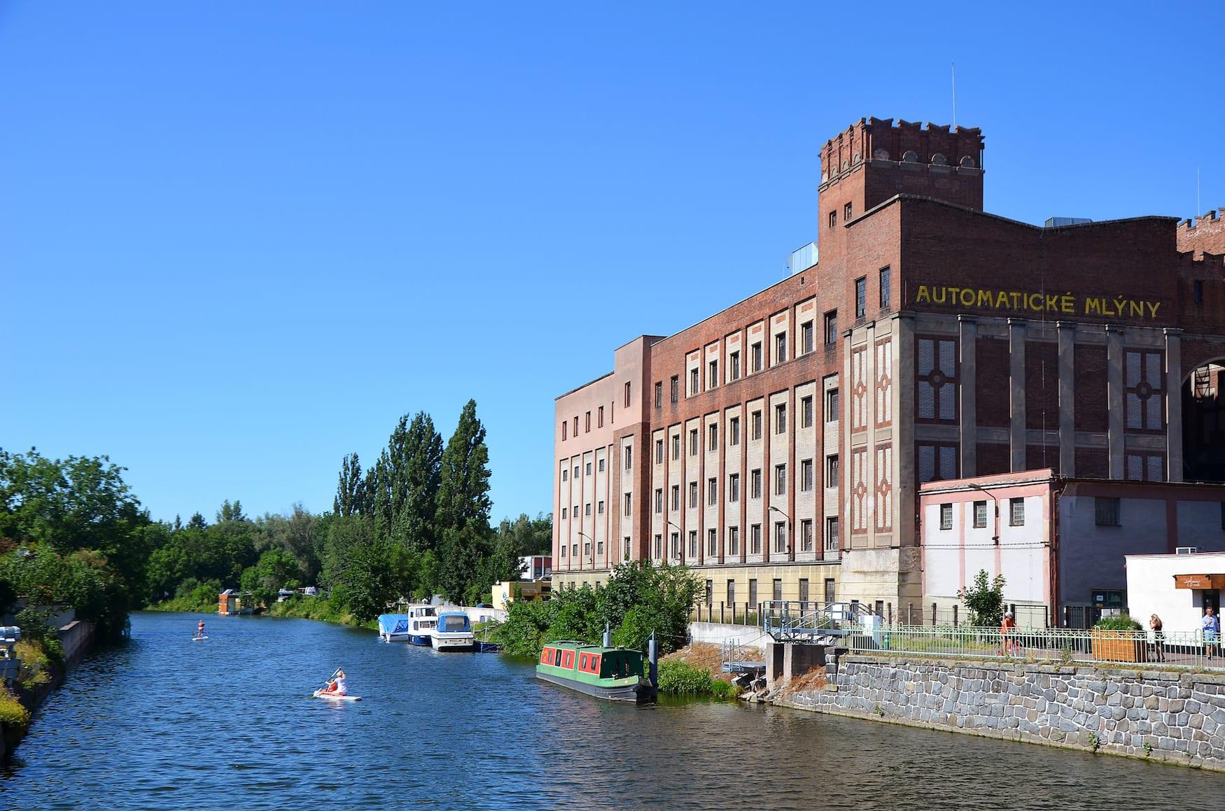 Pardubitz_Elbe_Kulturzentrum