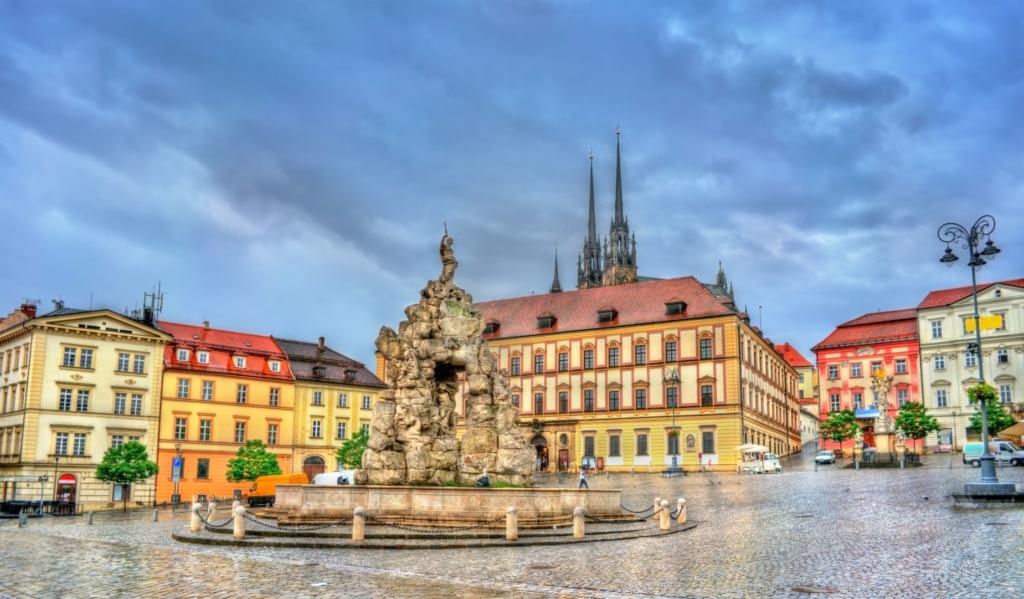 Parnas-Brunnen auf der Zerny-Platz in Brno, Brünn