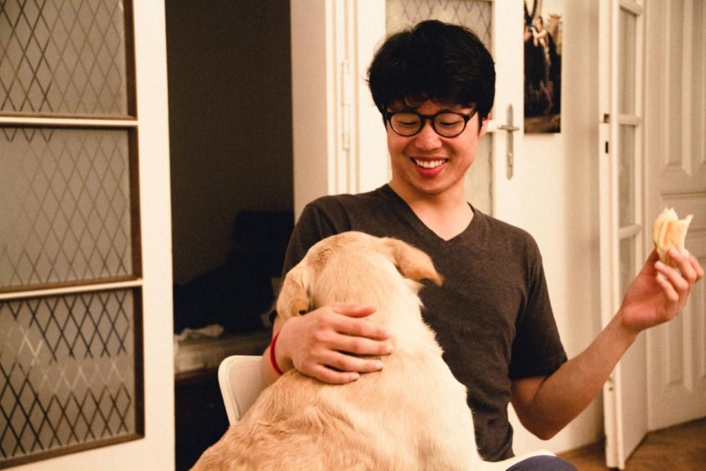 Jaehwan schenkt unserem Autor zum Abschied etwas, dass Erklärung benötigt.