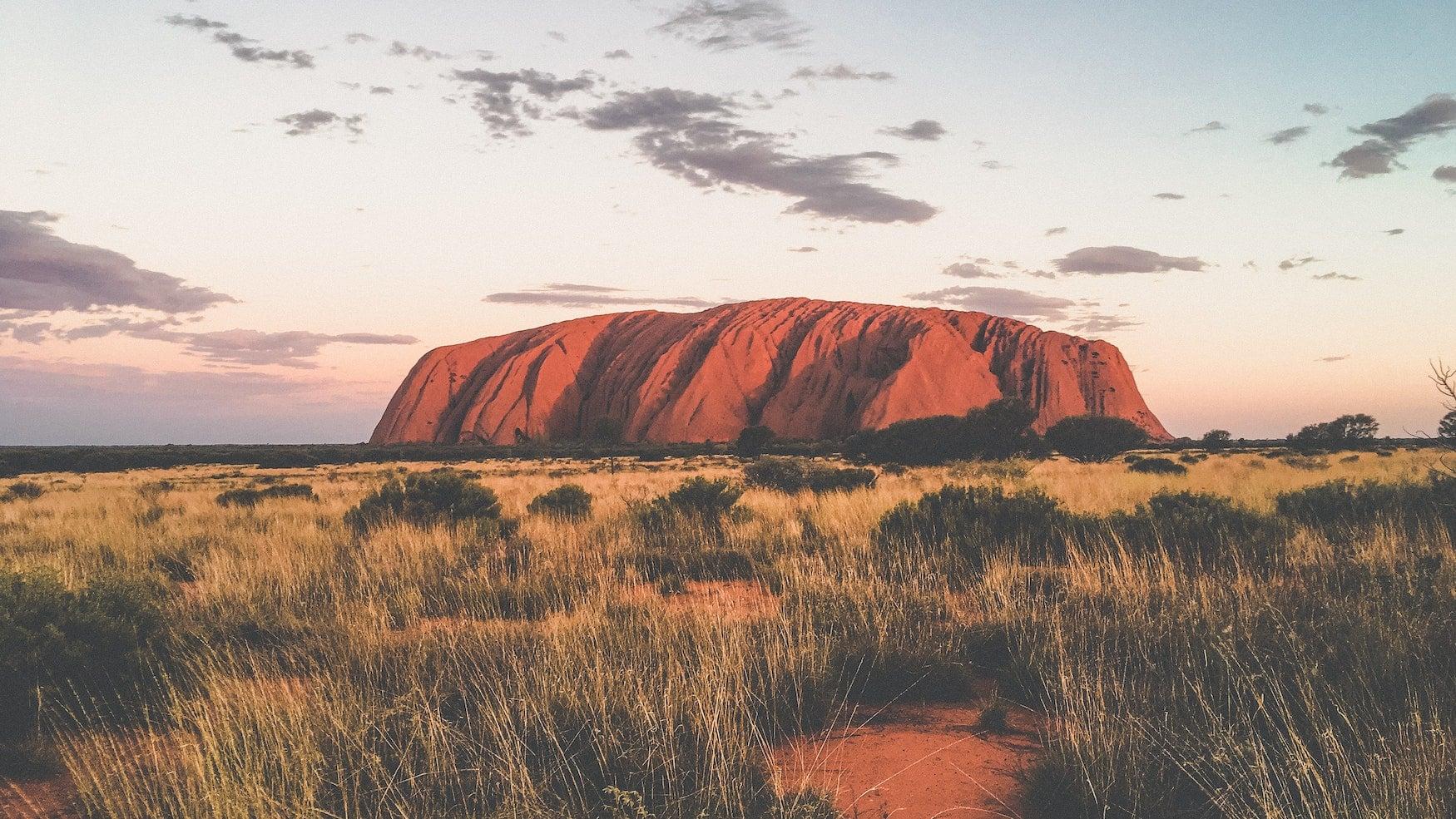 Der Uluru im Outback von Australien