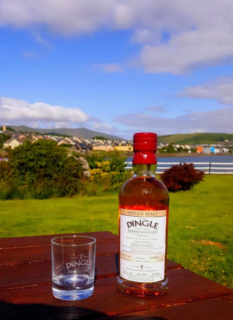 Dingle Whiskey und Gin haben sich in Irland bereits einen Namen gemacht.
