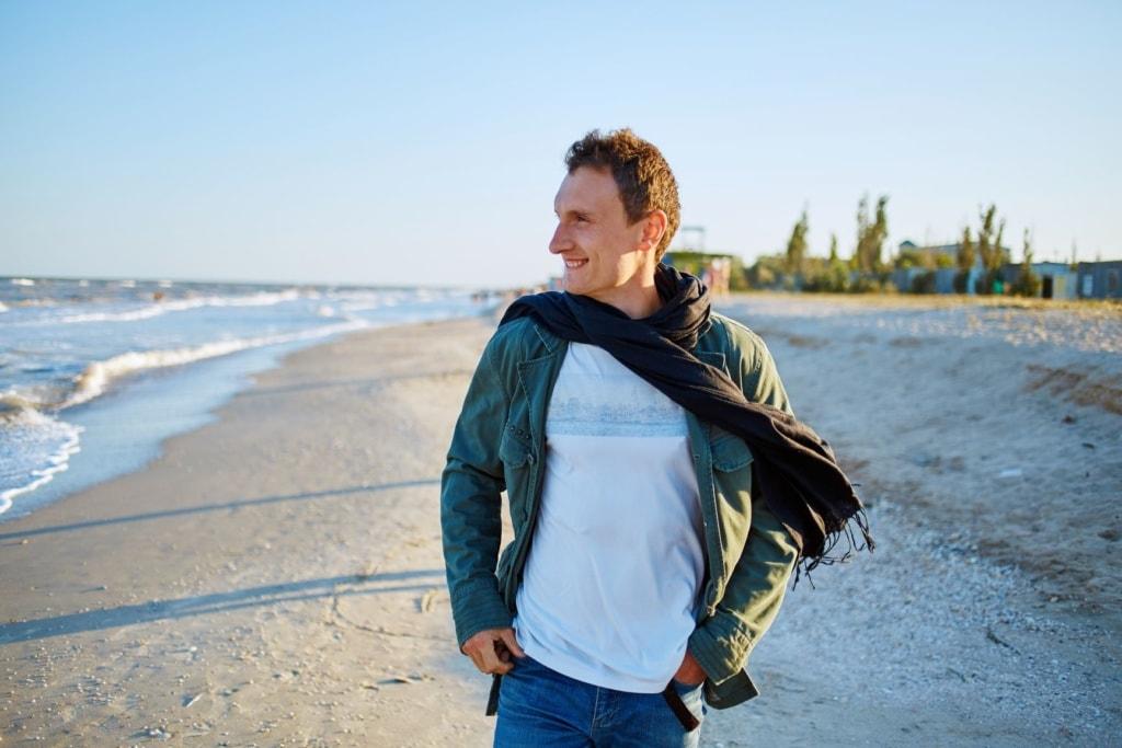 Mann am Strand auf Big Pine Key