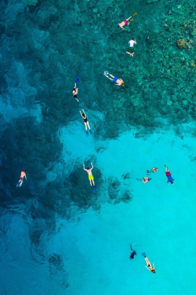 Schnorchler im Korallenriff