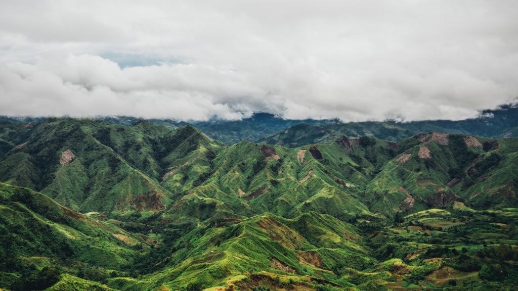 Die Berge bei Buda auf Mindanao sind wild und locken Abenteurer.