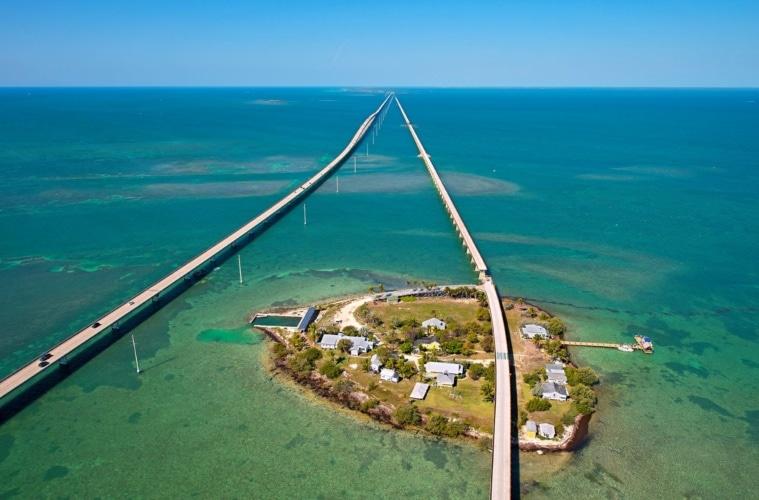 Florida Keys aus der Luft: Neue und alte Seven Mile Bridge