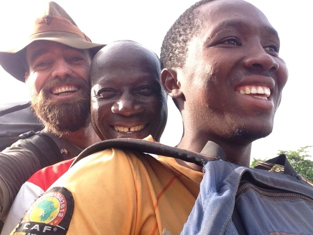 Thor Pedersen mit Afrikanern