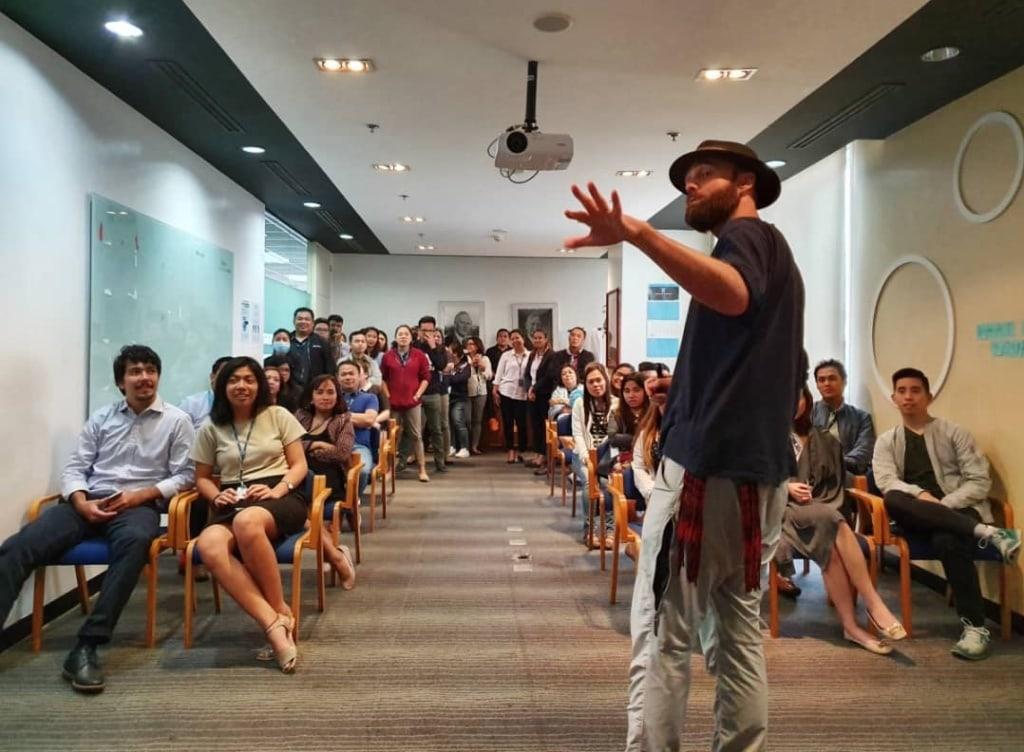 Thor Pedersen bei einem Vortrag in Hongkong