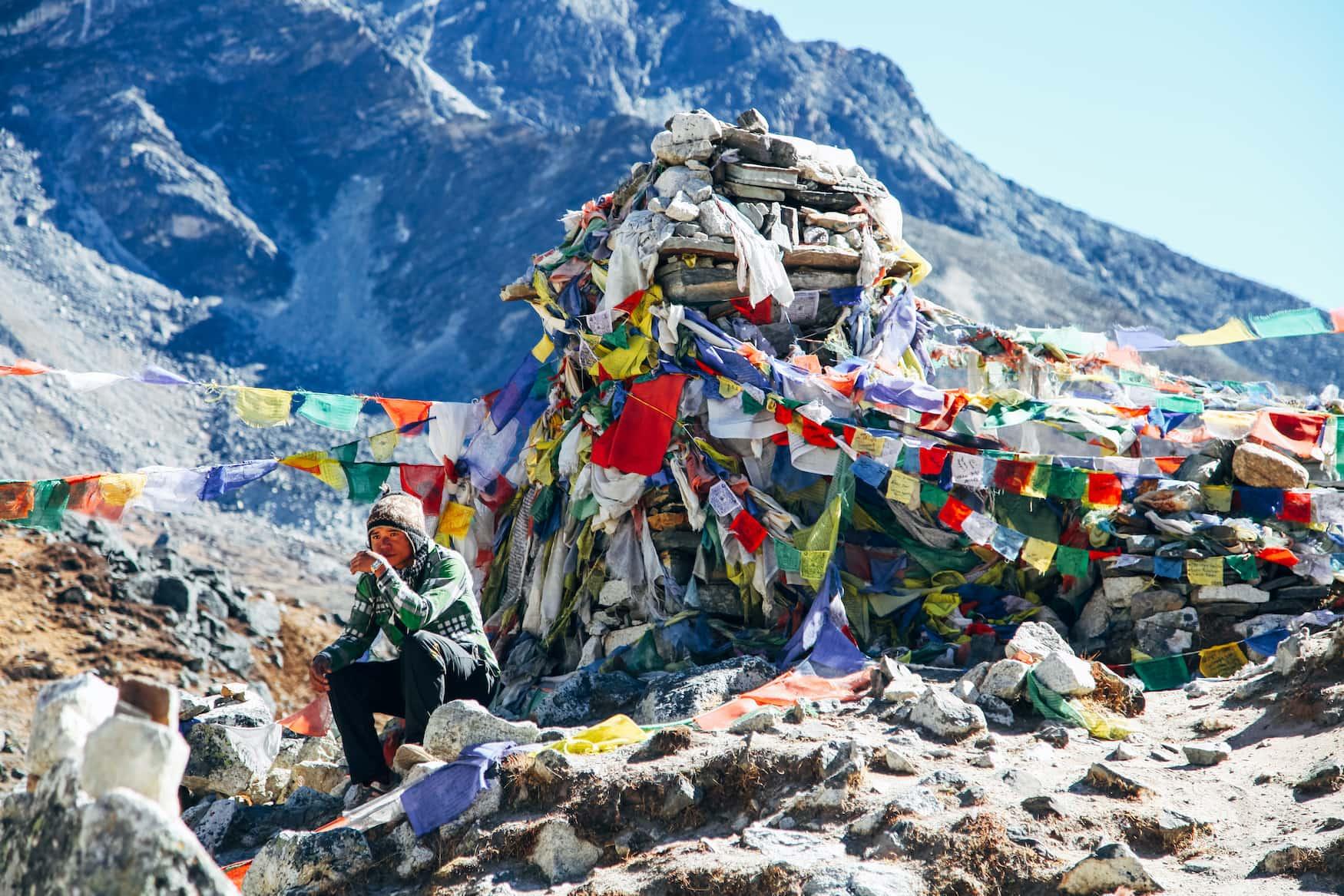 Träger in Basecamp auf dem Weg zum Mount Everest