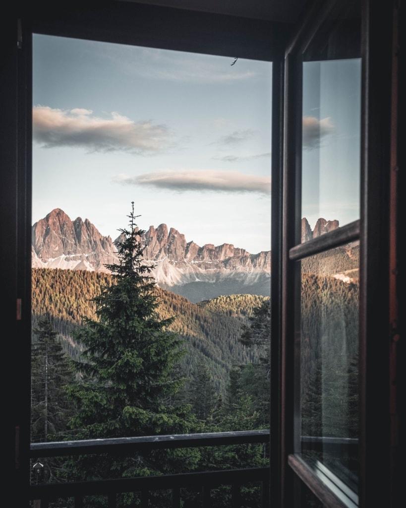 Aussicht aus dem Hotelfenster des Forestis in Südtirol