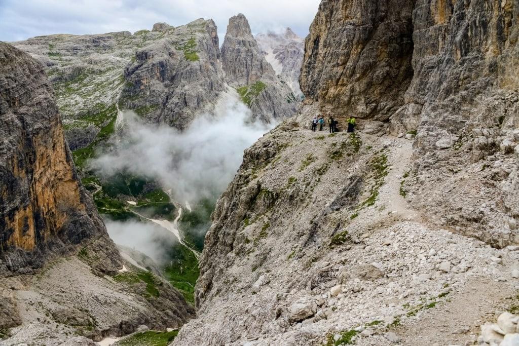 Der Alpinisteig in den Sextener Dolomiten ist auch für Anfänger geeignet.