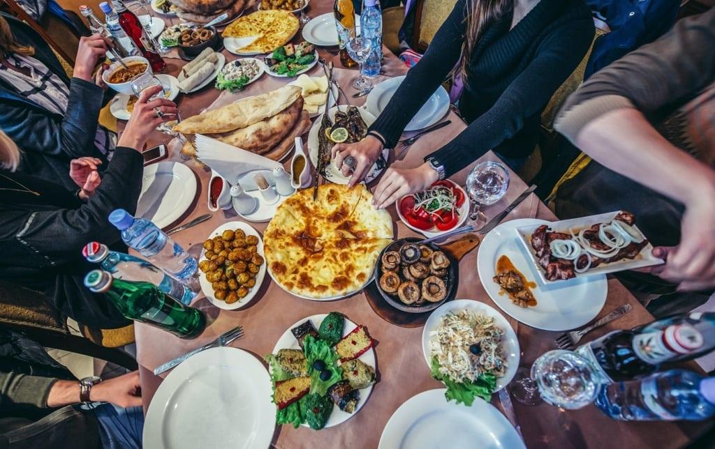 Georgisches Essen ist eine der besten Küchen der Welt.