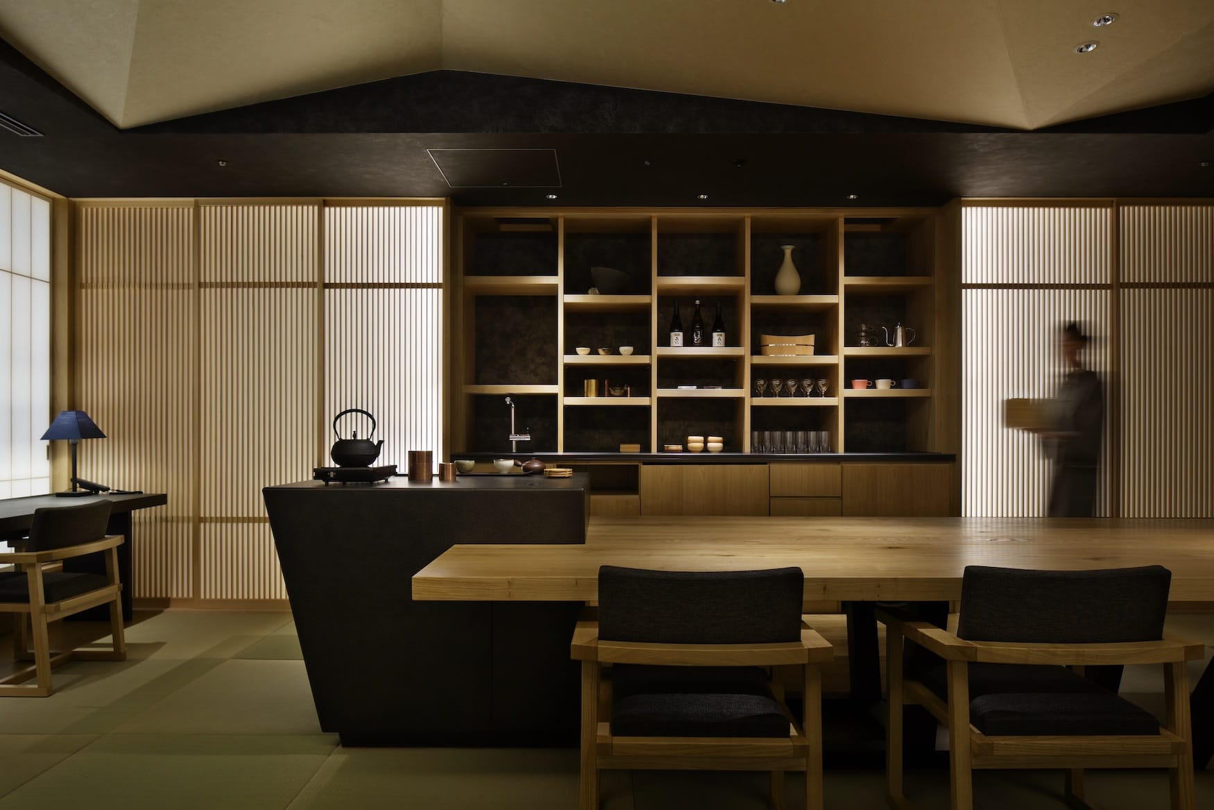 Minimalistisches Interior im Hoshinoya in Tokio, einem tollen Architekturhotel