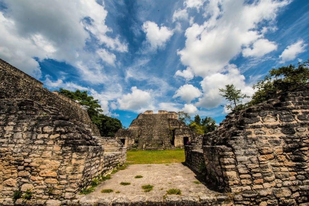 Zentralamerika Natur- und Kulturschätze: Maya Stätte Caracol, Belize