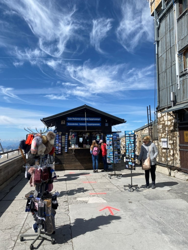 Souvenir Stand Zugspitze in Corona-Zeiten