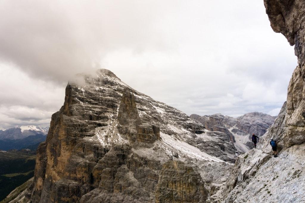 Wir zeigen Euch die spektakuläresten Klettersteige in den Dolomiten.
