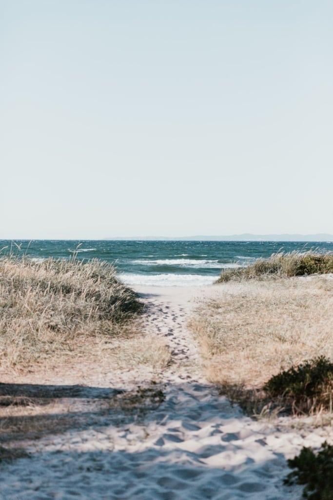 Weg zum Strand an die Nordsee in Dänemark