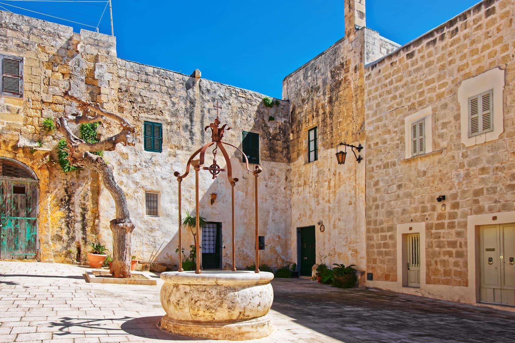 Misrah Mesquita Platz in Mdina, Malta
