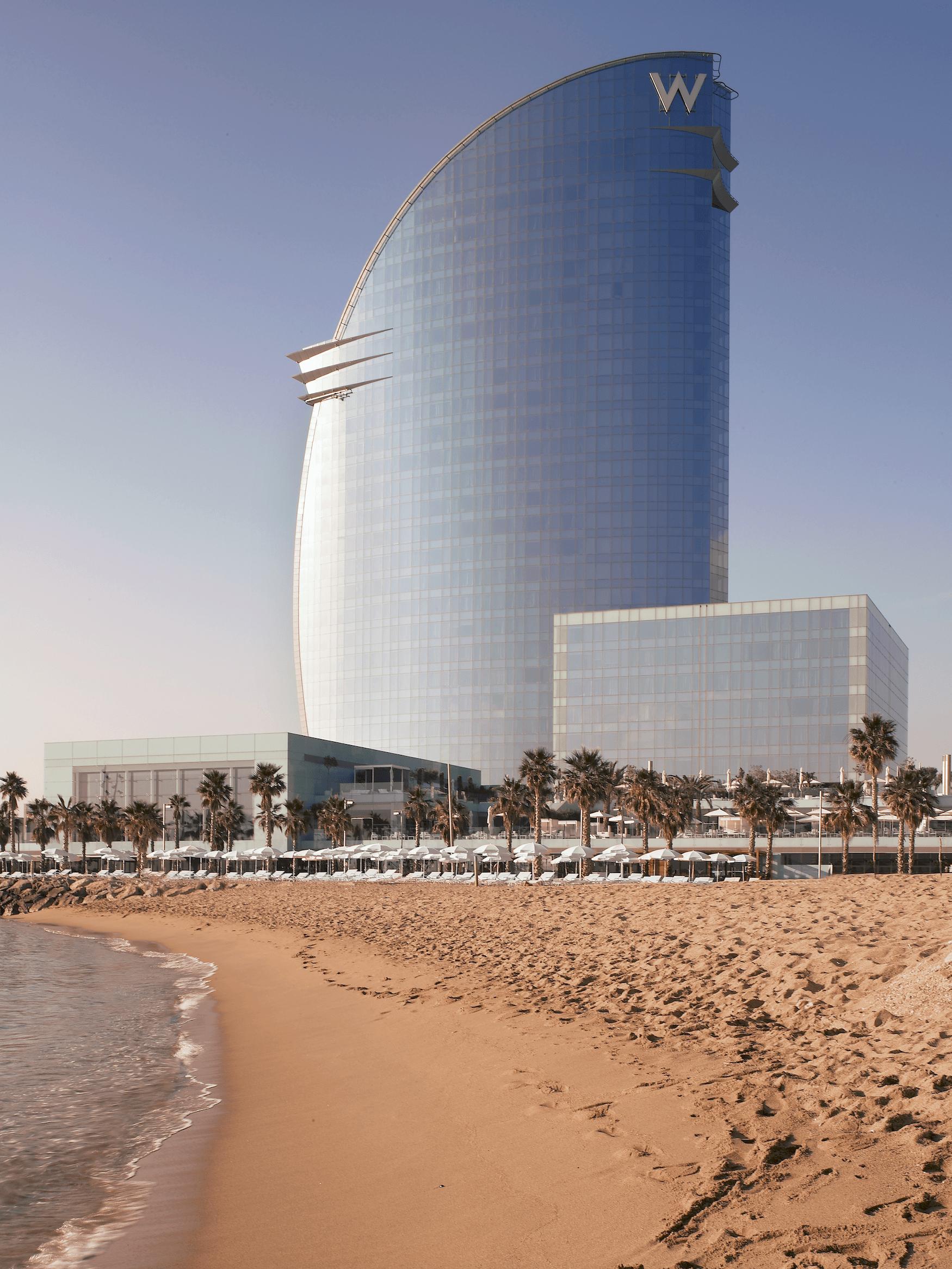 Was ein Hotel: Die Architektur des W Barcelona ist ganz schön beeindruckend