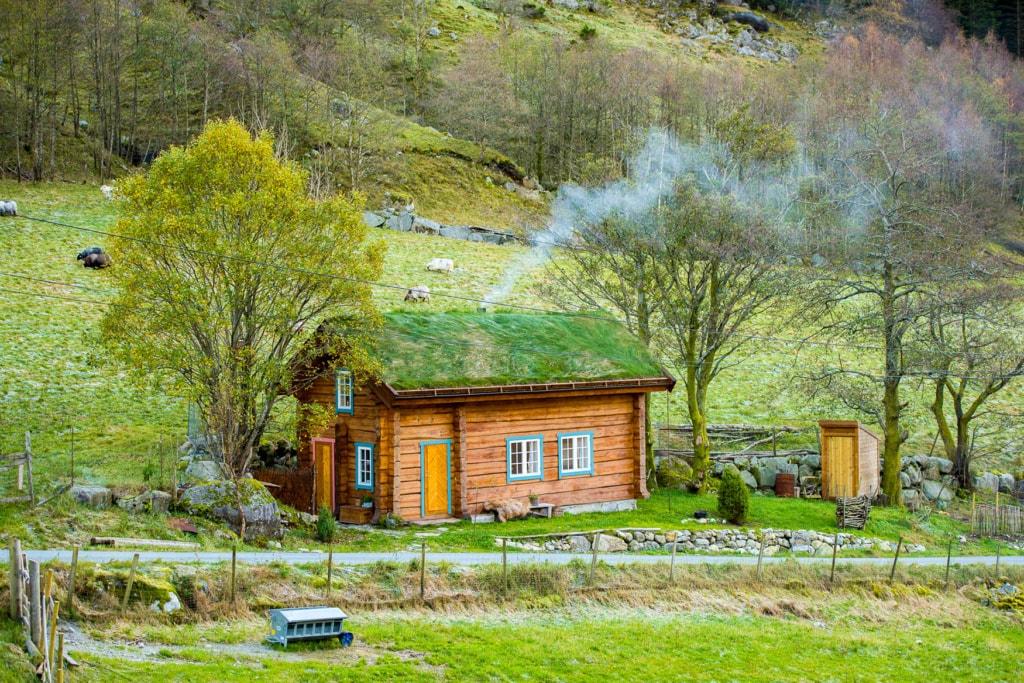 Das süße alte Ferienhaus inmitten der norwegischen Natur