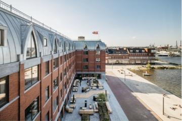 Blick von außen auf das Hotel Boat & Co in Amsterdam