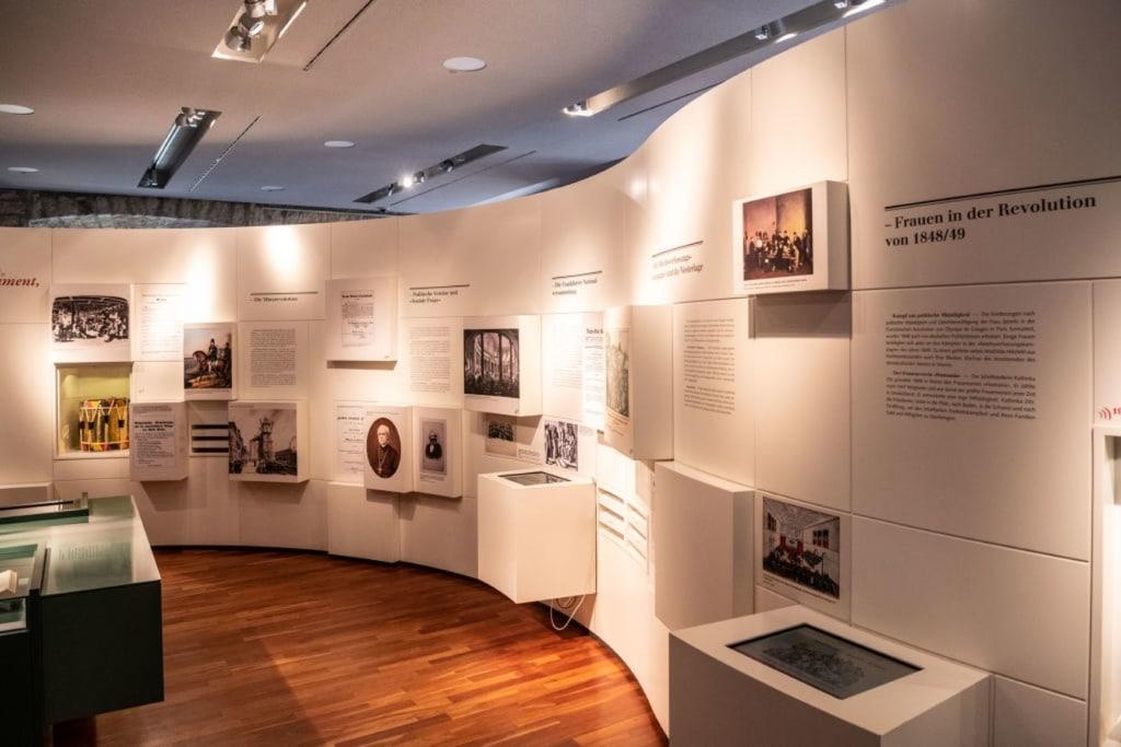 Ausstellung im Hambacher Schloss