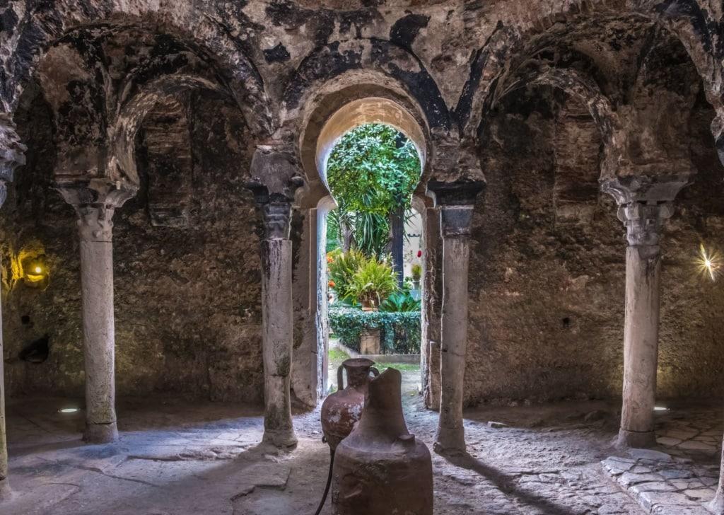 Ruinen der alten arabischen Bäder in Palma de Mallorca