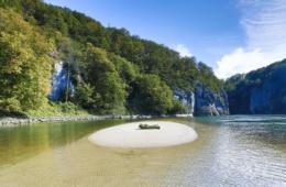Sandinsel im Donaudurchbruch in Bayern