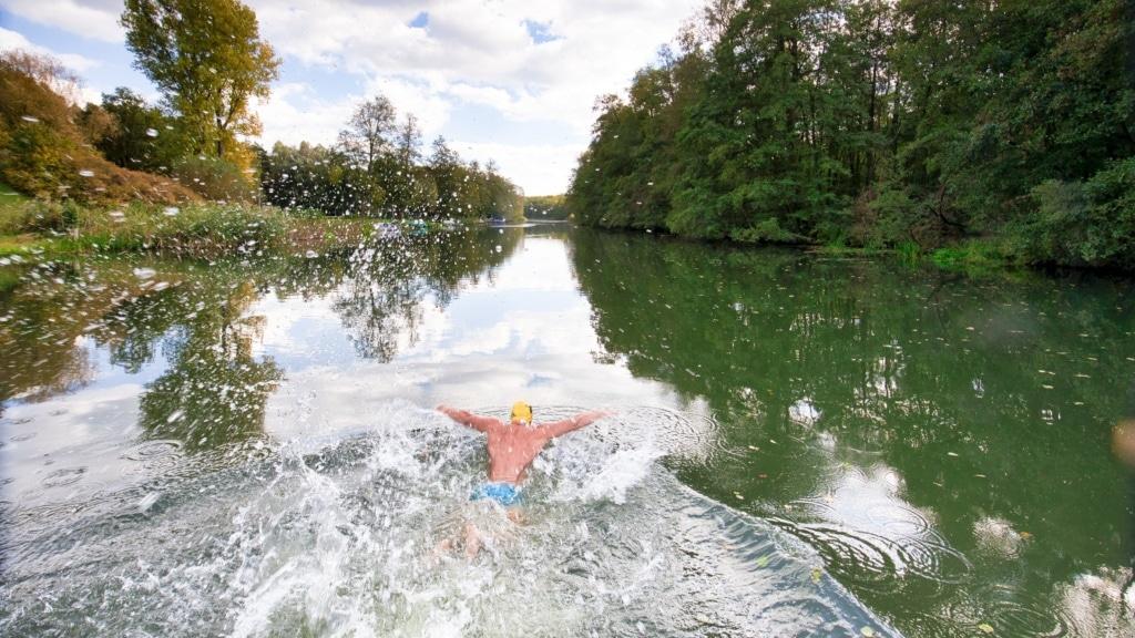 Wild Swimming in Deutschland: Schwimmer in Berkenbrück