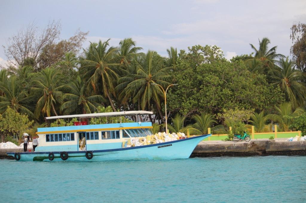 Der Besuch einer Einheimischeninsel ist ein besonderes Erlebnis auf den Malediven.