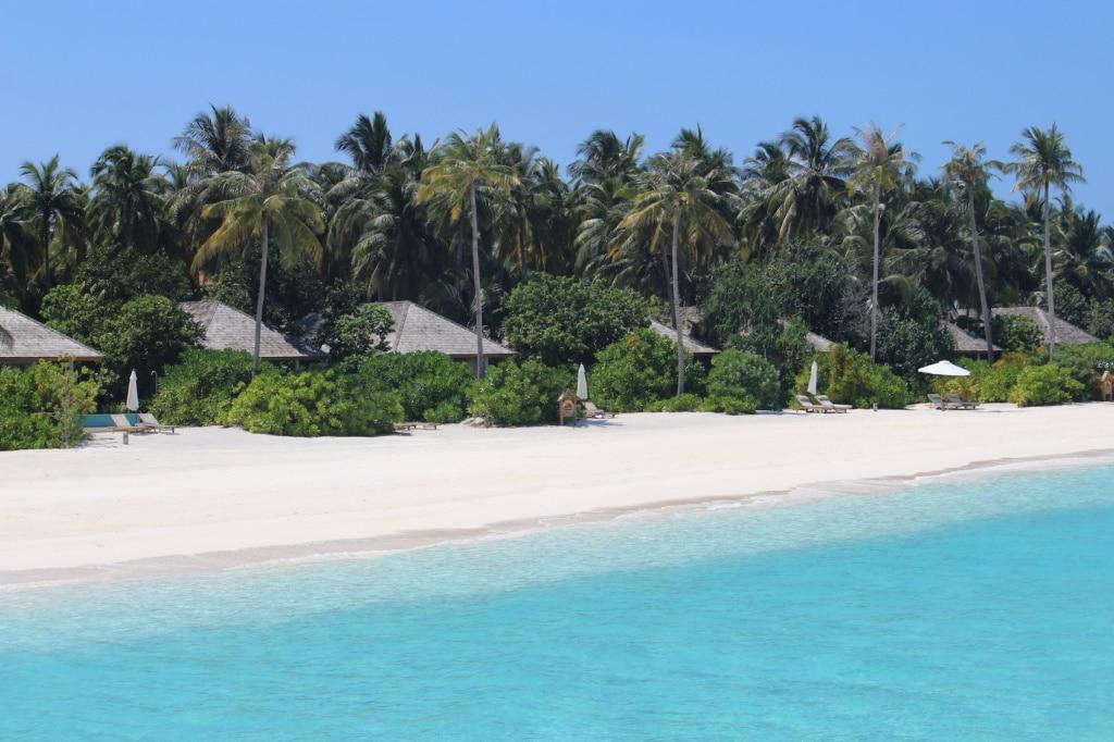 Das Faarufushi wartet mit Traumstränden auf den Malediven.