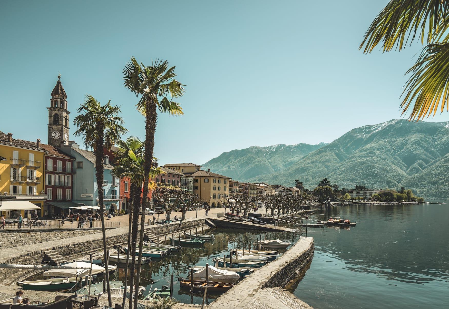 Frühlingserwachen an der Seepromenade in Ascona