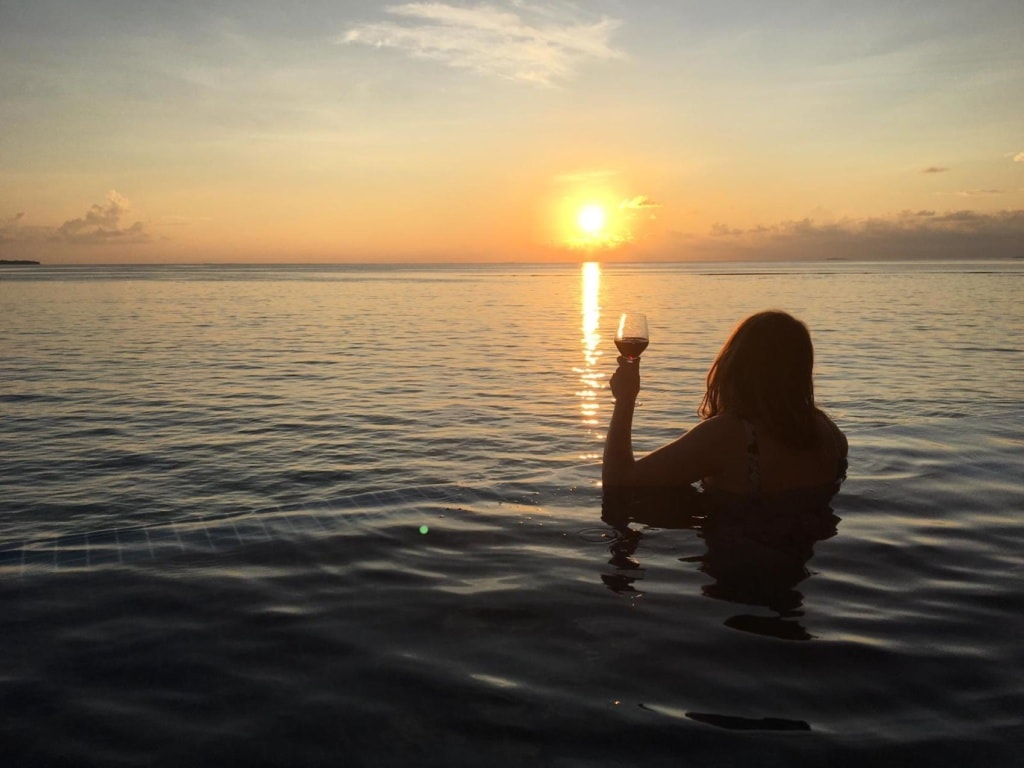 Redakteurin Marie genießt ihre Zeit im Faarufushi auf den Malediven.