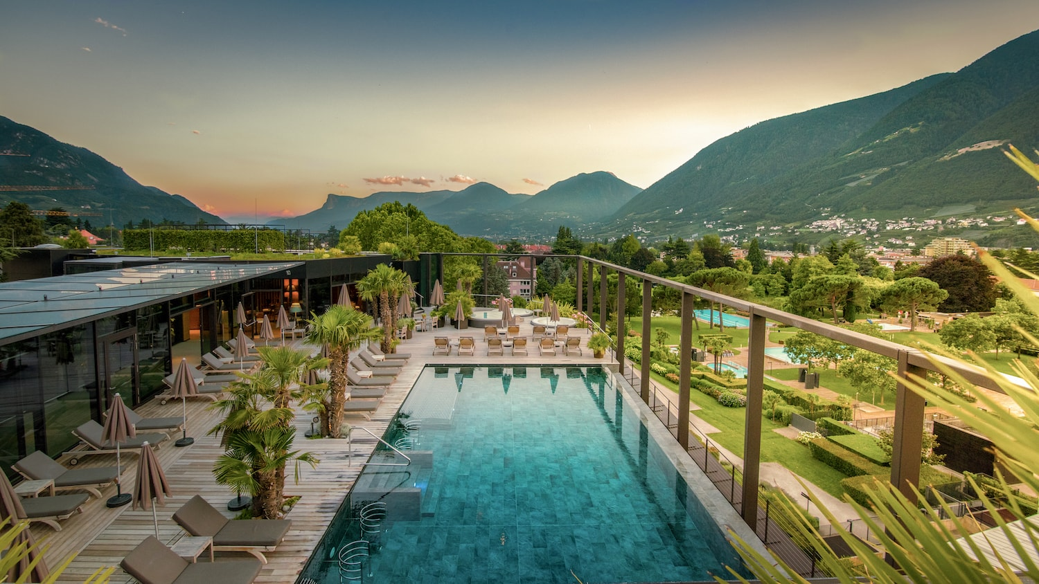 Hotel Therme Meran Skybar-Terrasse