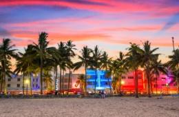 Art Deco Häuser und Strand in South Beach, Miami