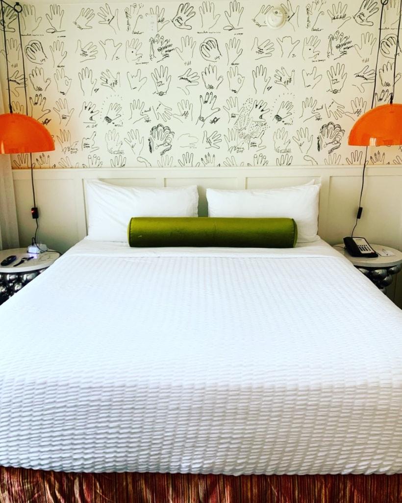Bett im Hotel Erwin in Venice, Los Angeles