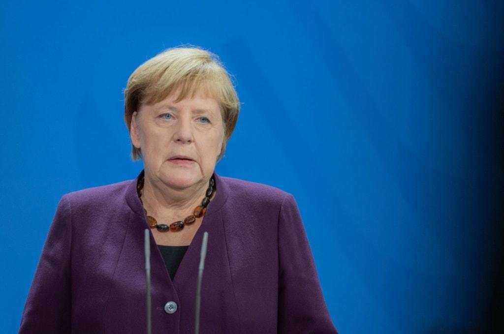 Angela Merkel in einer Pressekonferenz