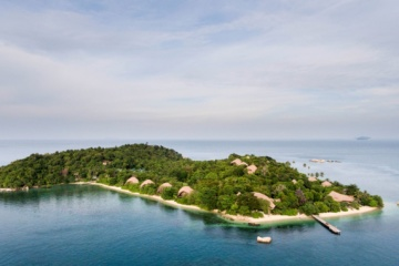 Dronen-Blick auf Cempedak Island